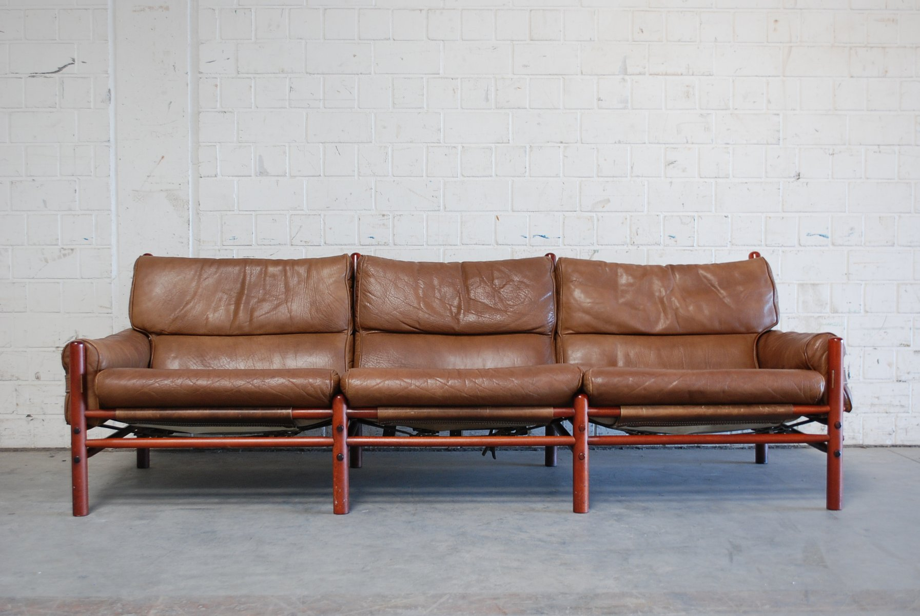 vintage kontiki 3 seater leather sofa by arne norell bei pamono kaufen. Black Bedroom Furniture Sets. Home Design Ideas