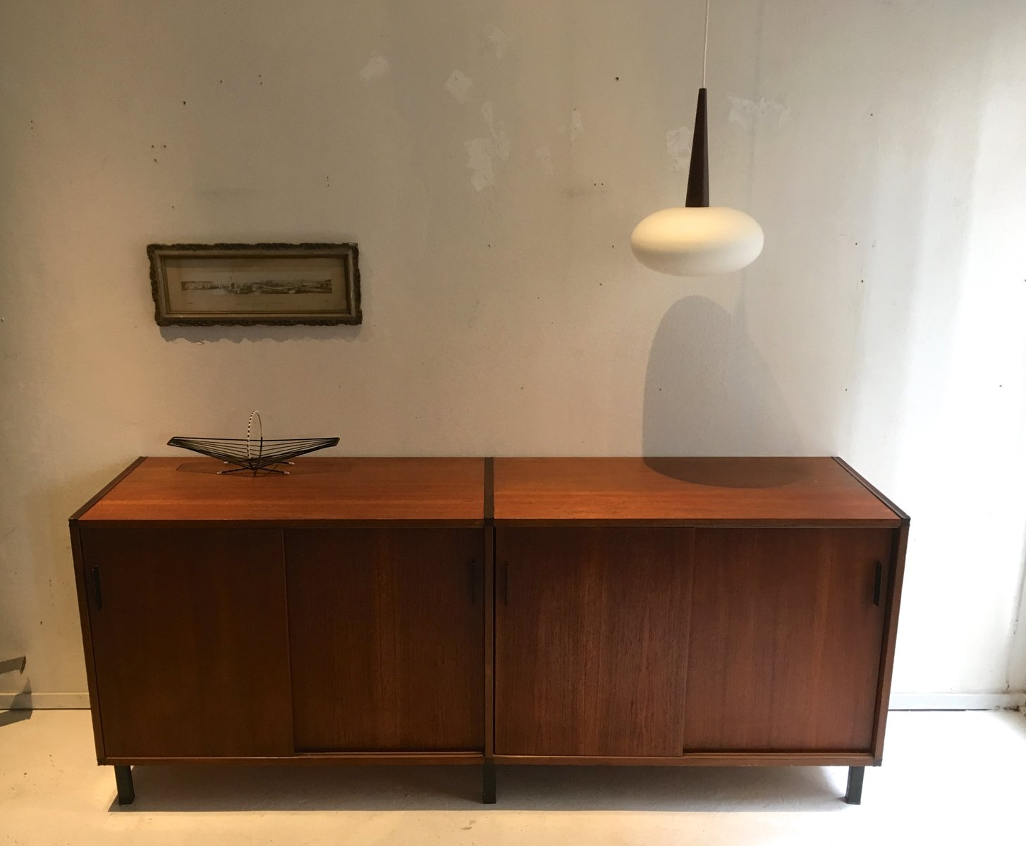 vintage teak sideboard mit schiebet ren von cees braakman. Black Bedroom Furniture Sets. Home Design Ideas