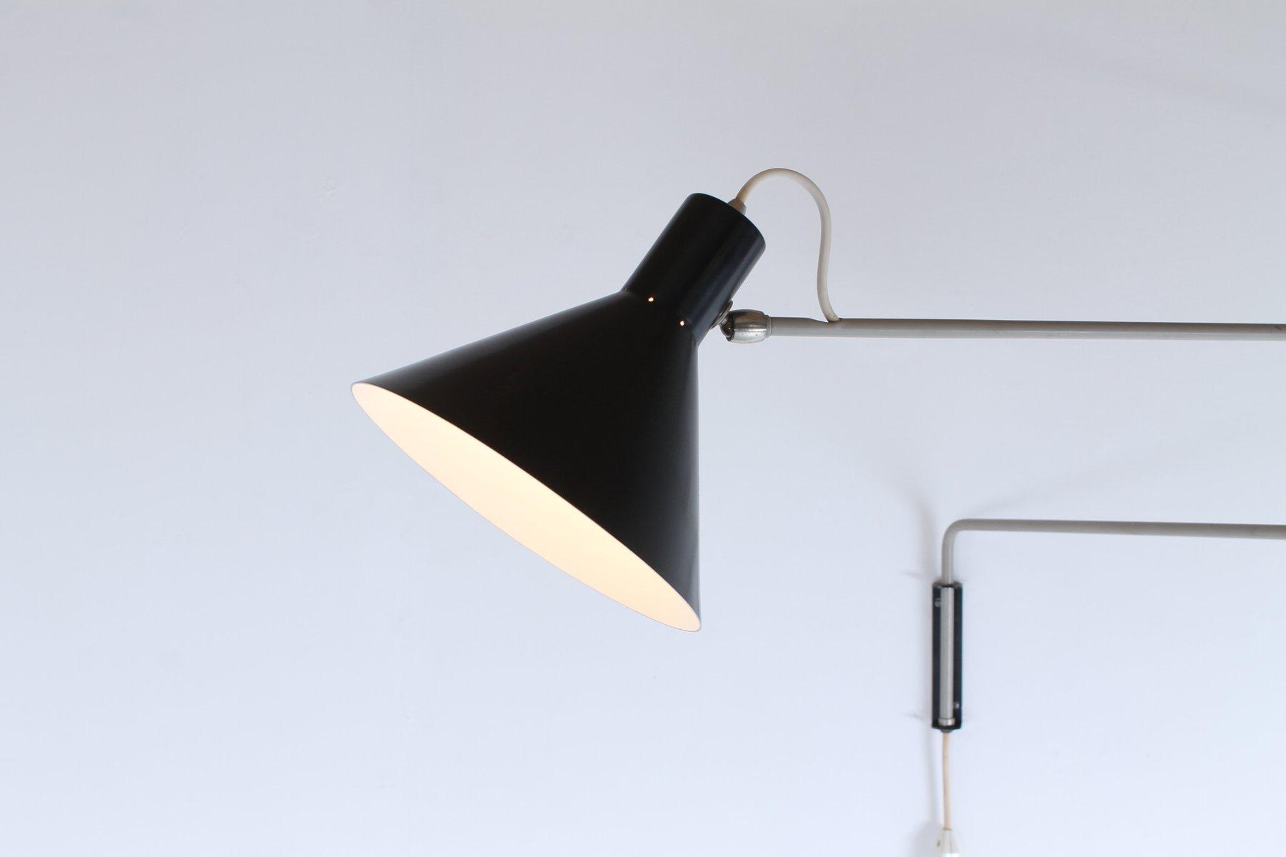 applique murale vintage paperclip noire et grise avec bras pivotant par j j m hoogervorst. Black Bedroom Furniture Sets. Home Design Ideas