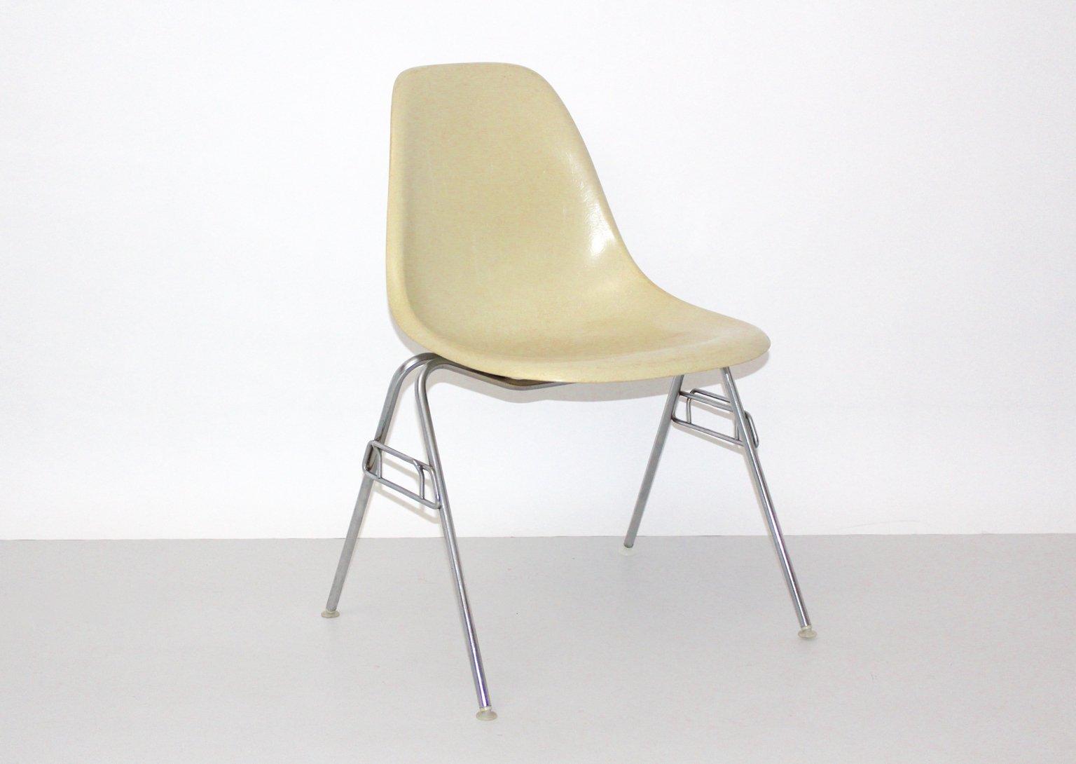 Sedia vintage modello dss n in fibra di vetro di charles ray
