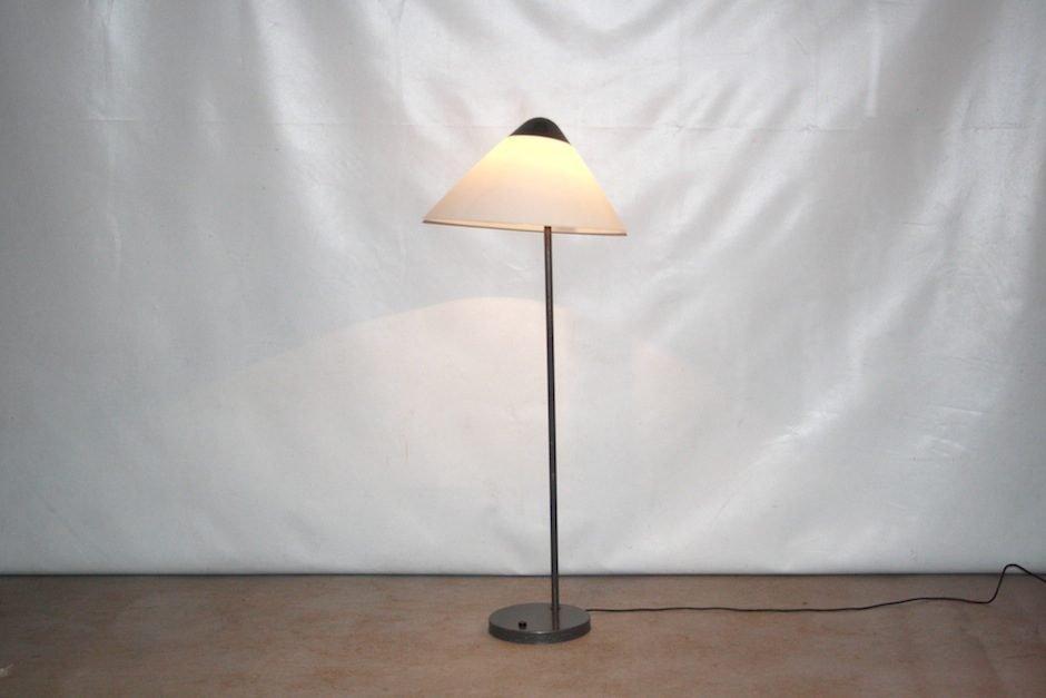 Lampada Vintage Da Terra : Lampada da terra opala vintage di hans j. wegner per louis poulsen