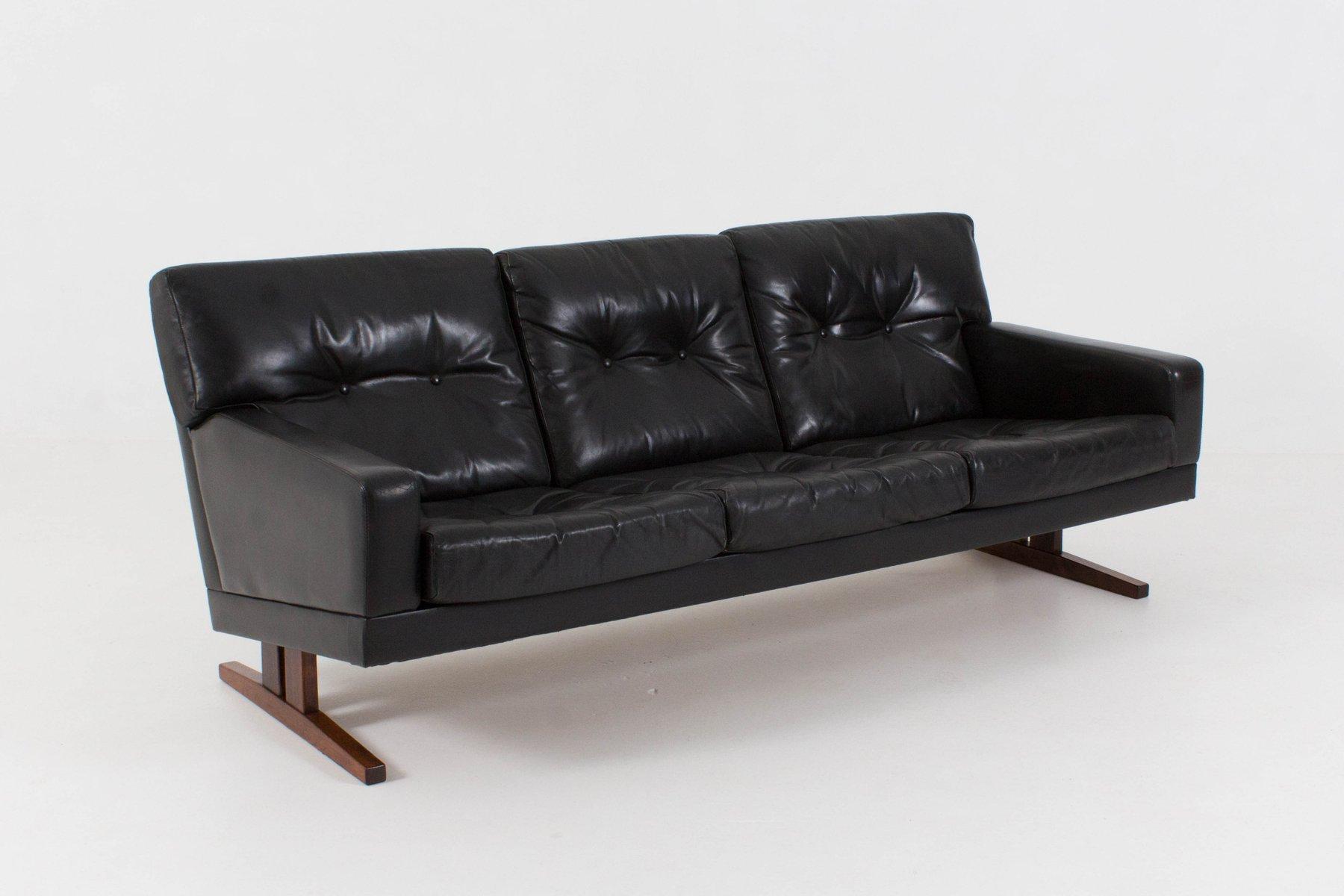 canap trois places en cuir danemark 1960s en vente sur pamono. Black Bedroom Furniture Sets. Home Design Ideas