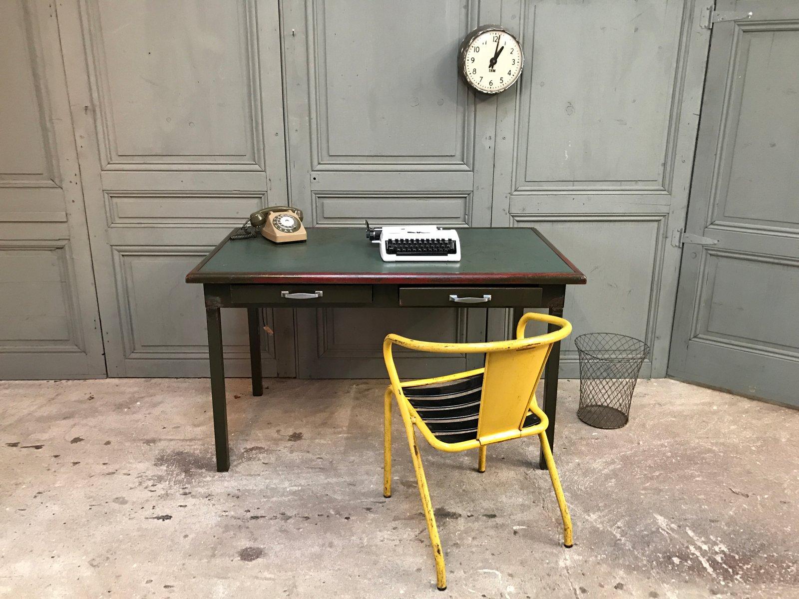 bureau en m tal vintage d atal en vente sur pamono. Black Bedroom Furniture Sets. Home Design Ideas