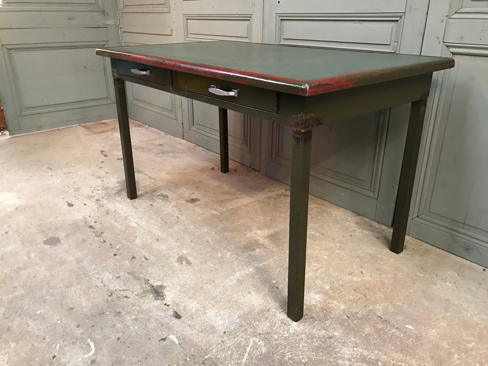 Schreibtisch aus metall for Buromobel aus metall