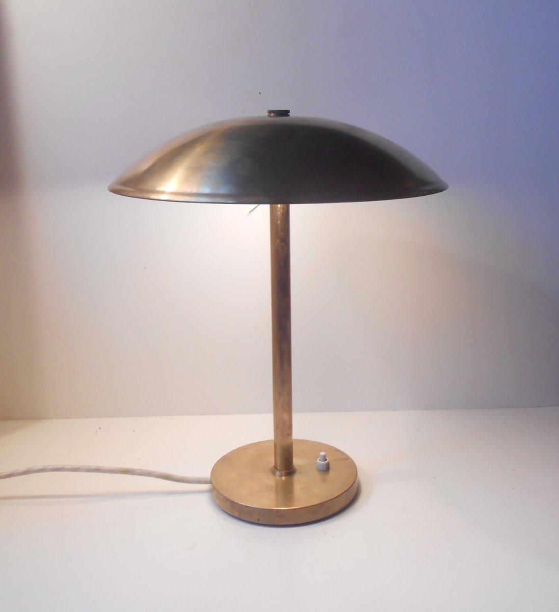 lampe de bureau art d co en laiton par lyfa denmark 1930s en vente sur pamono. Black Bedroom Furniture Sets. Home Design Ideas