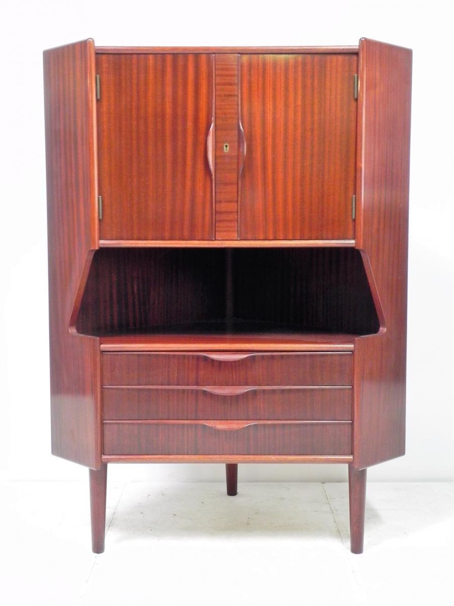 vintage eckschrank bei pamono kaufen. Black Bedroom Furniture Sets. Home Design Ideas