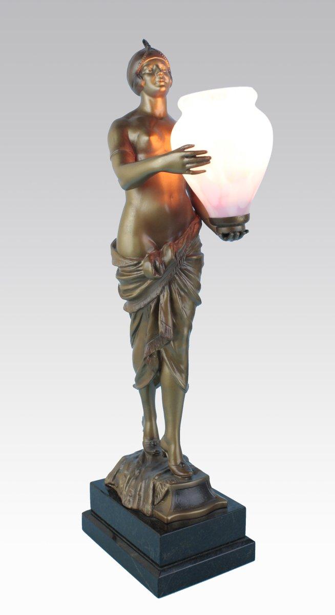 Deutsche Art Deco Zinn Figur mit Leuchte, 1930er