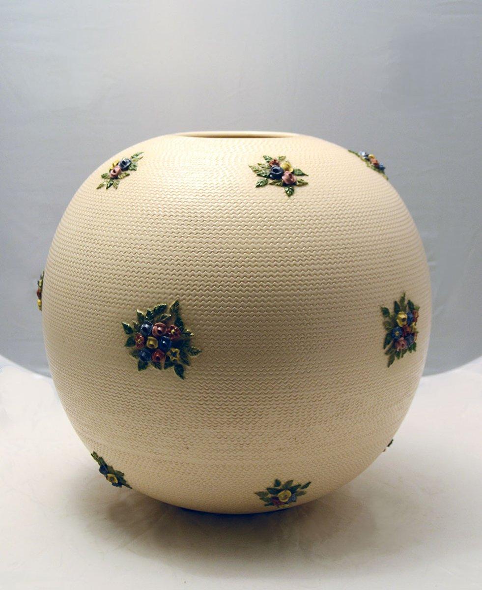 gro e keramik vase mit blumen 1940er bei pamono kaufen. Black Bedroom Furniture Sets. Home Design Ideas
