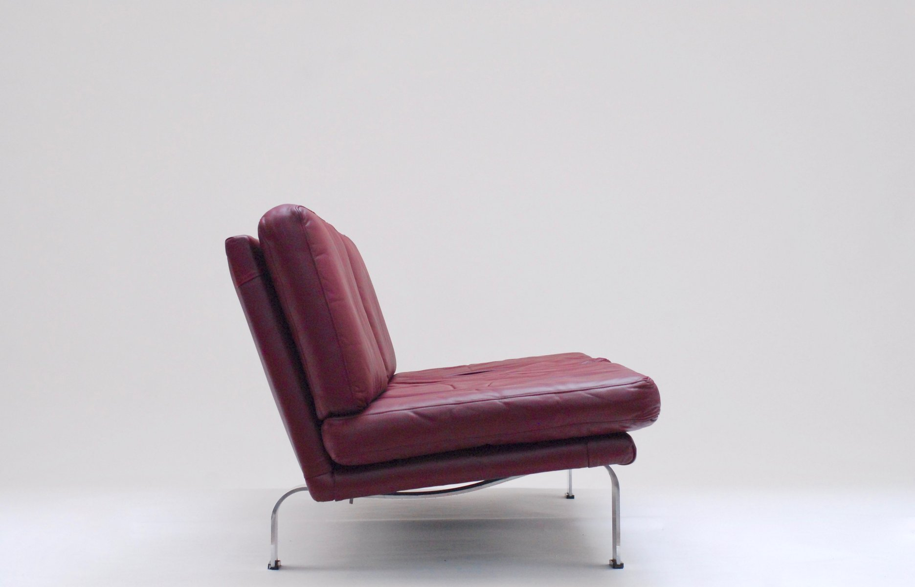 Italian plum leather sofa 1960s bei pamono kaufen - Divano color prugna ...