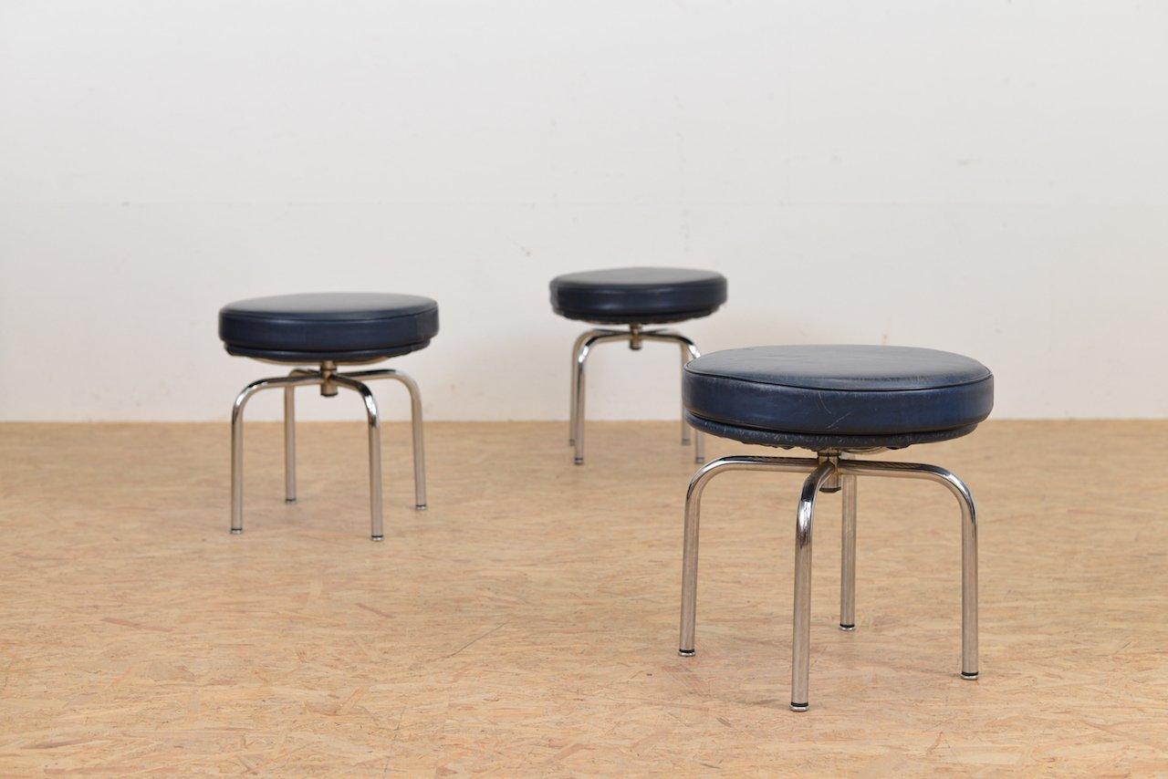 Sgabelli Moderni In Pelle : Sgabello lc vintage in pelle di le corbusier jeanneret