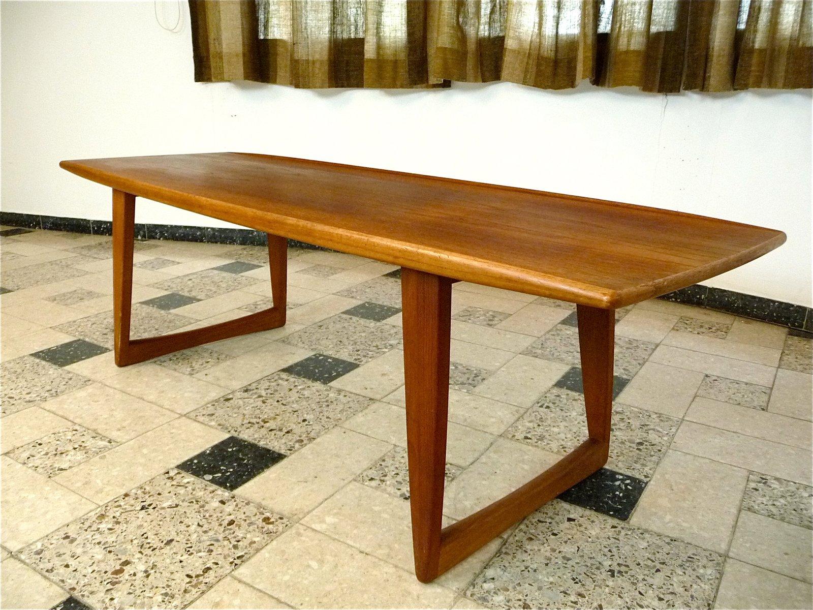 table basse avec plateau en forme de bateau en teck danemark 1960s en vente sur pamono. Black Bedroom Furniture Sets. Home Design Ideas