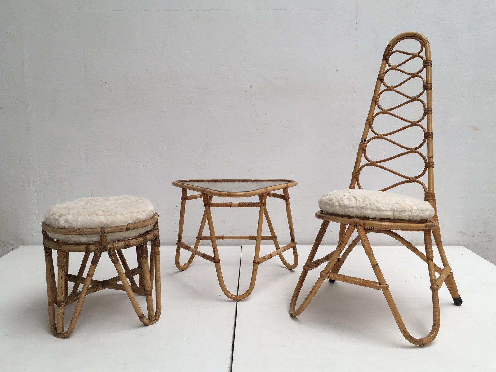 Rattan Hocker, Tisch & Stuhl mit Kunstfell Kissen von Rohé Noordwolde,...