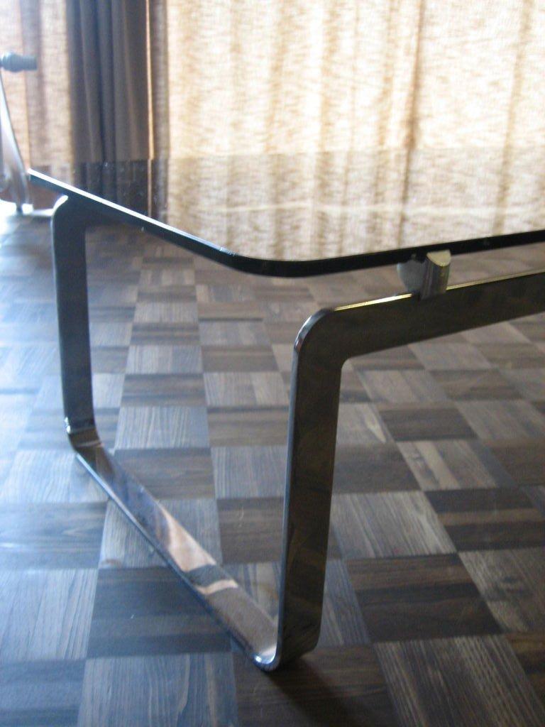 grande table basse vintage rectangulaire en verre fum en. Black Bedroom Furniture Sets. Home Design Ideas
