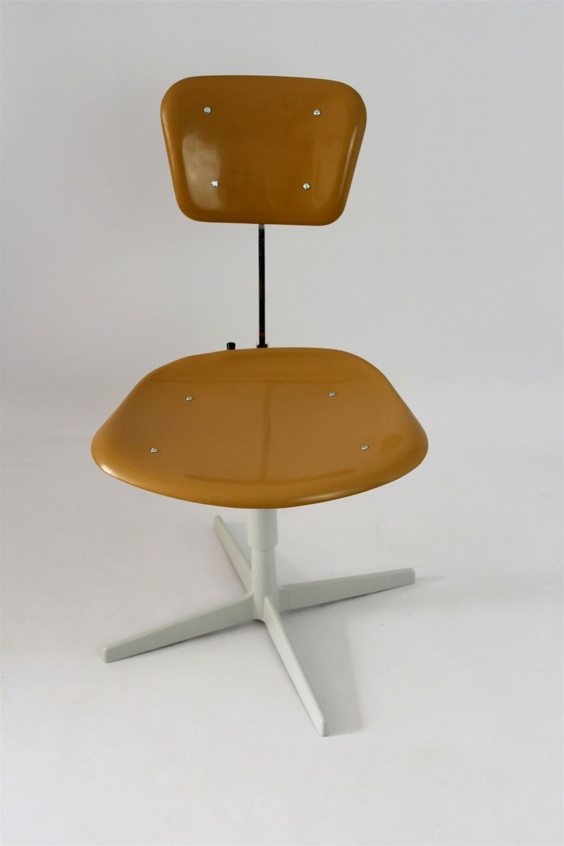 industrieller stuhl aus plastik stahl 1970er bei pamono kaufen. Black Bedroom Furniture Sets. Home Design Ideas