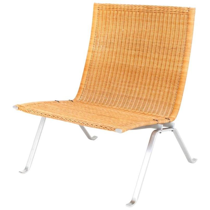 Superbe PK22 Lounge Chair In Cane By Poul Kjaerholm For E. Kold Christensen