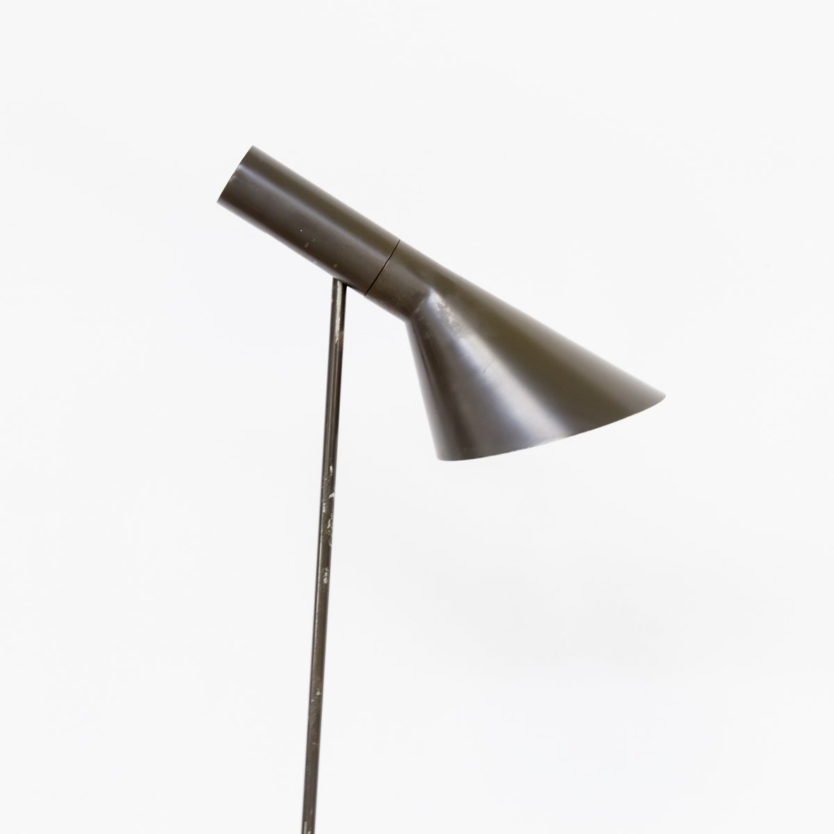 aj stehlampe von arne jacobsen f r louis poulsen 1960er bei pamono kaufen. Black Bedroom Furniture Sets. Home Design Ideas