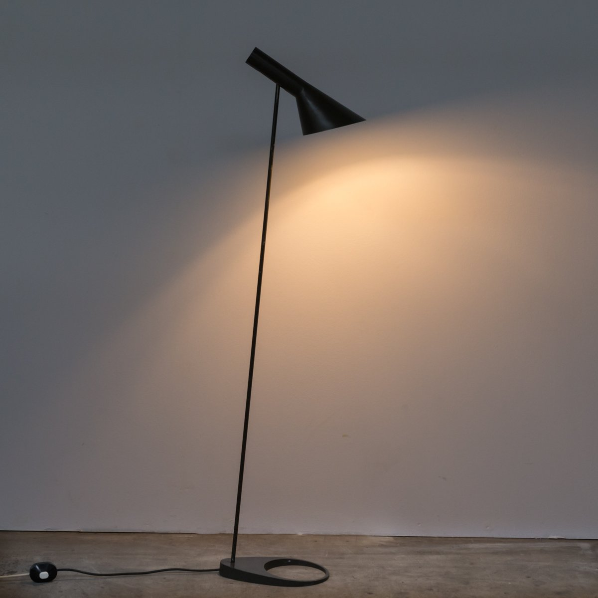 aj floor lamp louis poulsen aj floor lamp by arne jacobsen for louis poulsen 1960s sale at