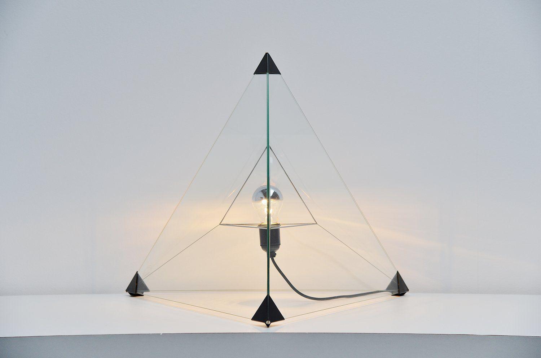 Vintage Tetraeder Tischlampe von Frans van Nieuwenborg & Martijn Wegma...