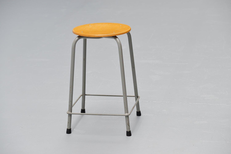 tabouret industriel d ahrend de cirkel pays bas 1970s en vente sur pamono. Black Bedroom Furniture Sets. Home Design Ideas
