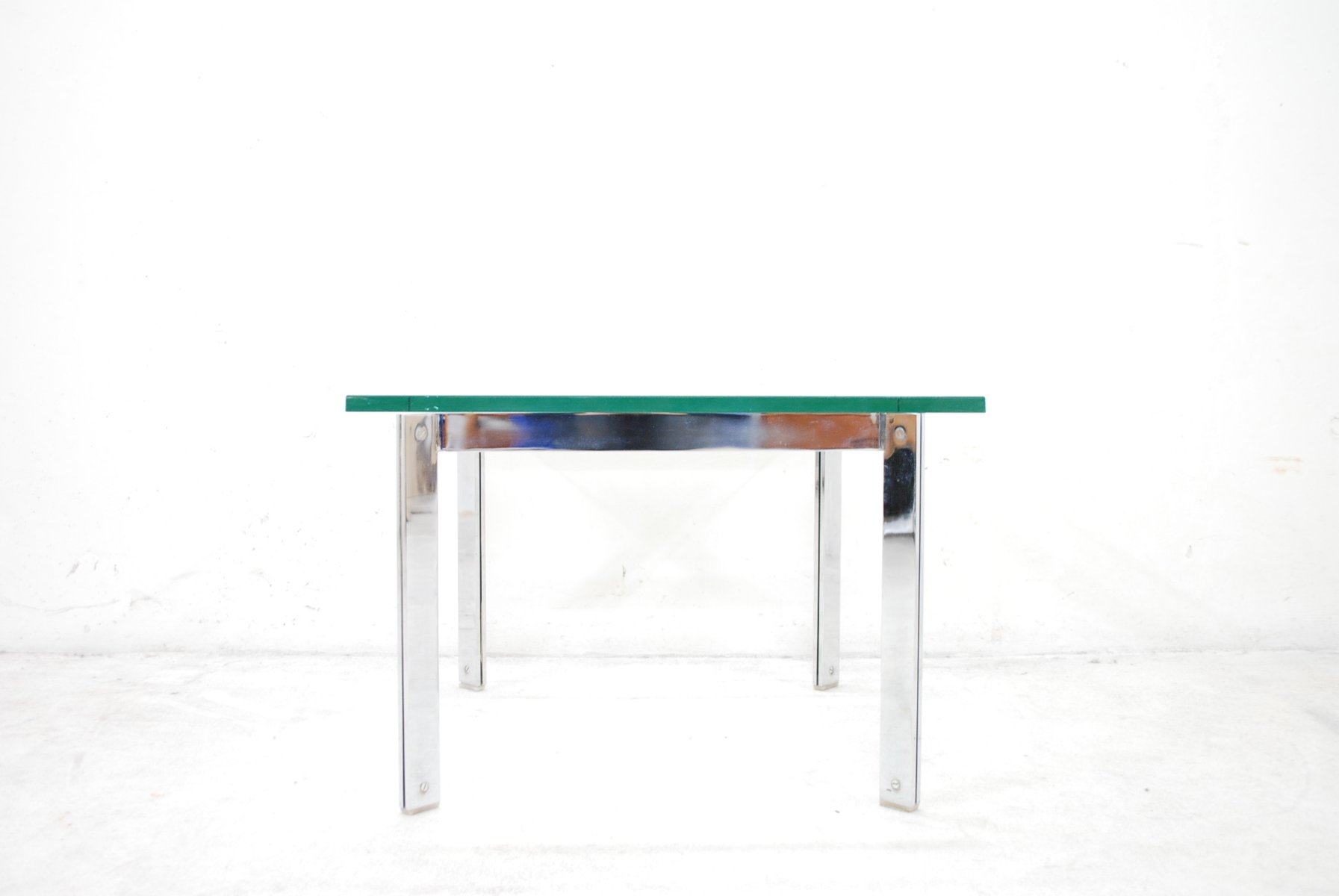 table basse vintage en verre chrome en vente sur pamono. Black Bedroom Furniture Sets. Home Design Ideas