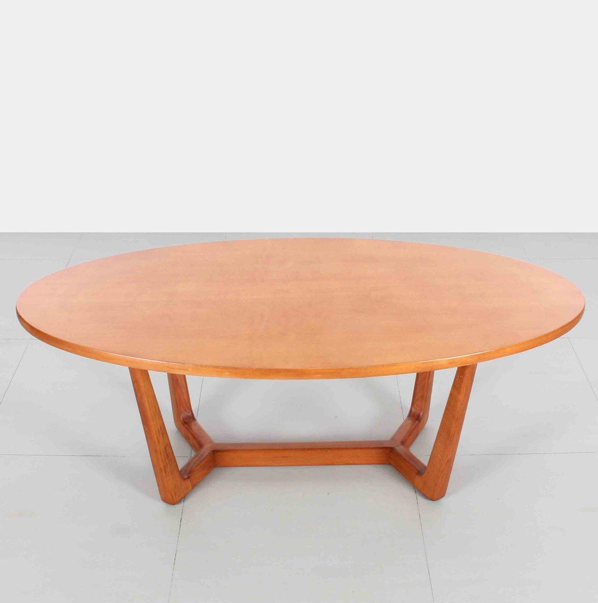 table basse ovale tch que 1960s en vente sur pamono. Black Bedroom Furniture Sets. Home Design Ideas