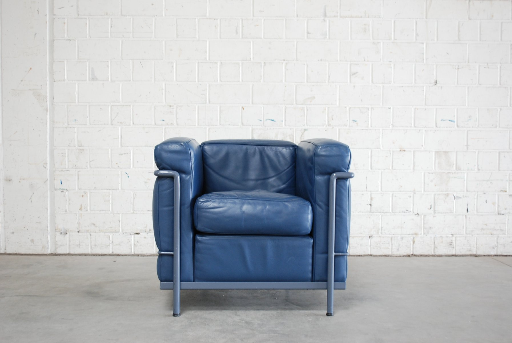 Vintage Blauer Modell LC2 Ledersessel von Le Corbusier für Cassina