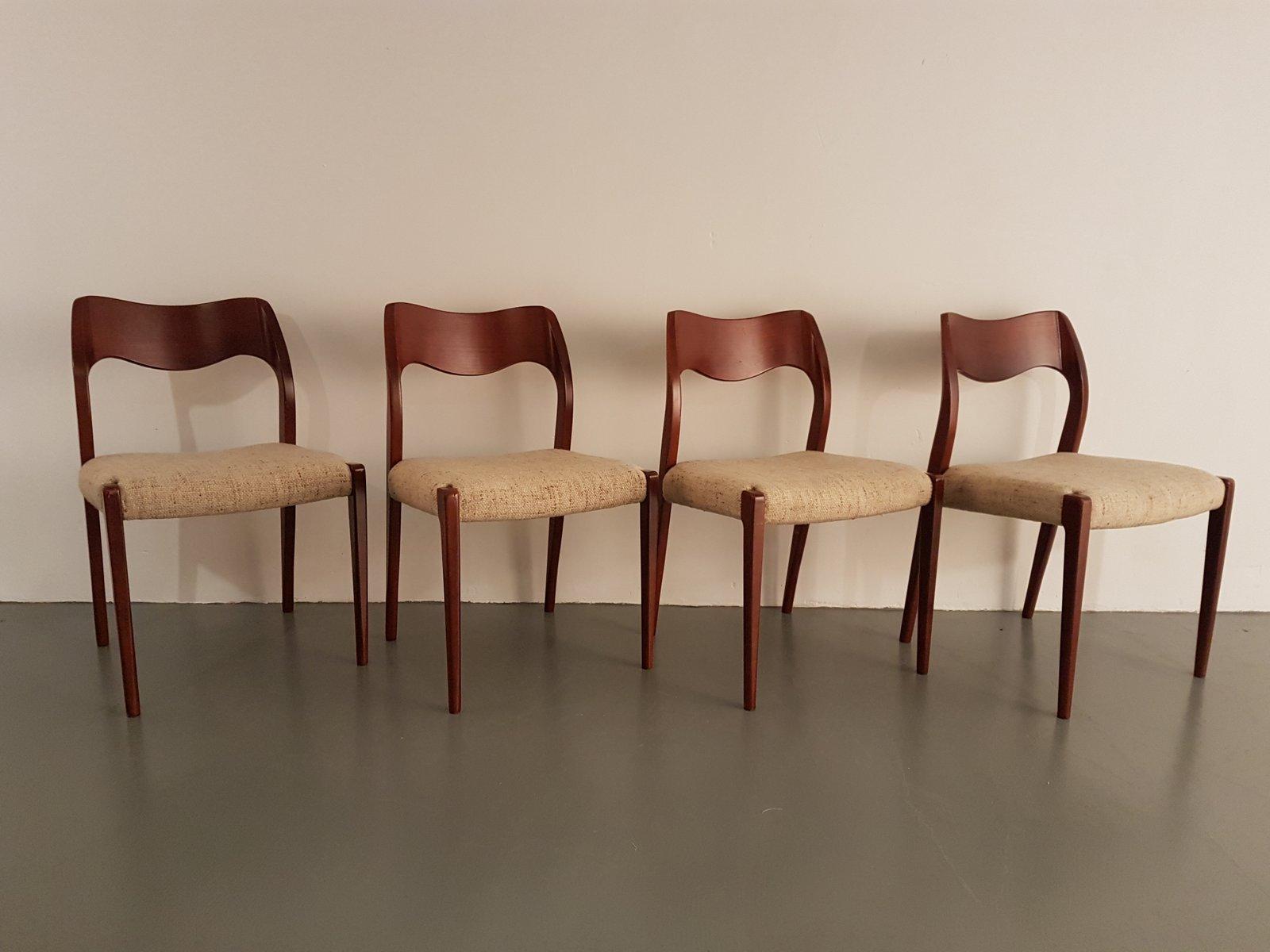 chaises de salle manger mod le 71 en teck par niels otto m ller pour j l m llers 1950s set. Black Bedroom Furniture Sets. Home Design Ideas