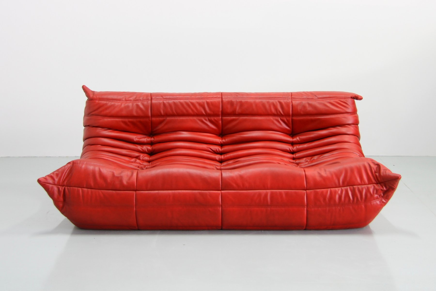 Vintage Red Leather Togo Sofa By Michel Ducaroy For Ligne Roset 8 1 779 00