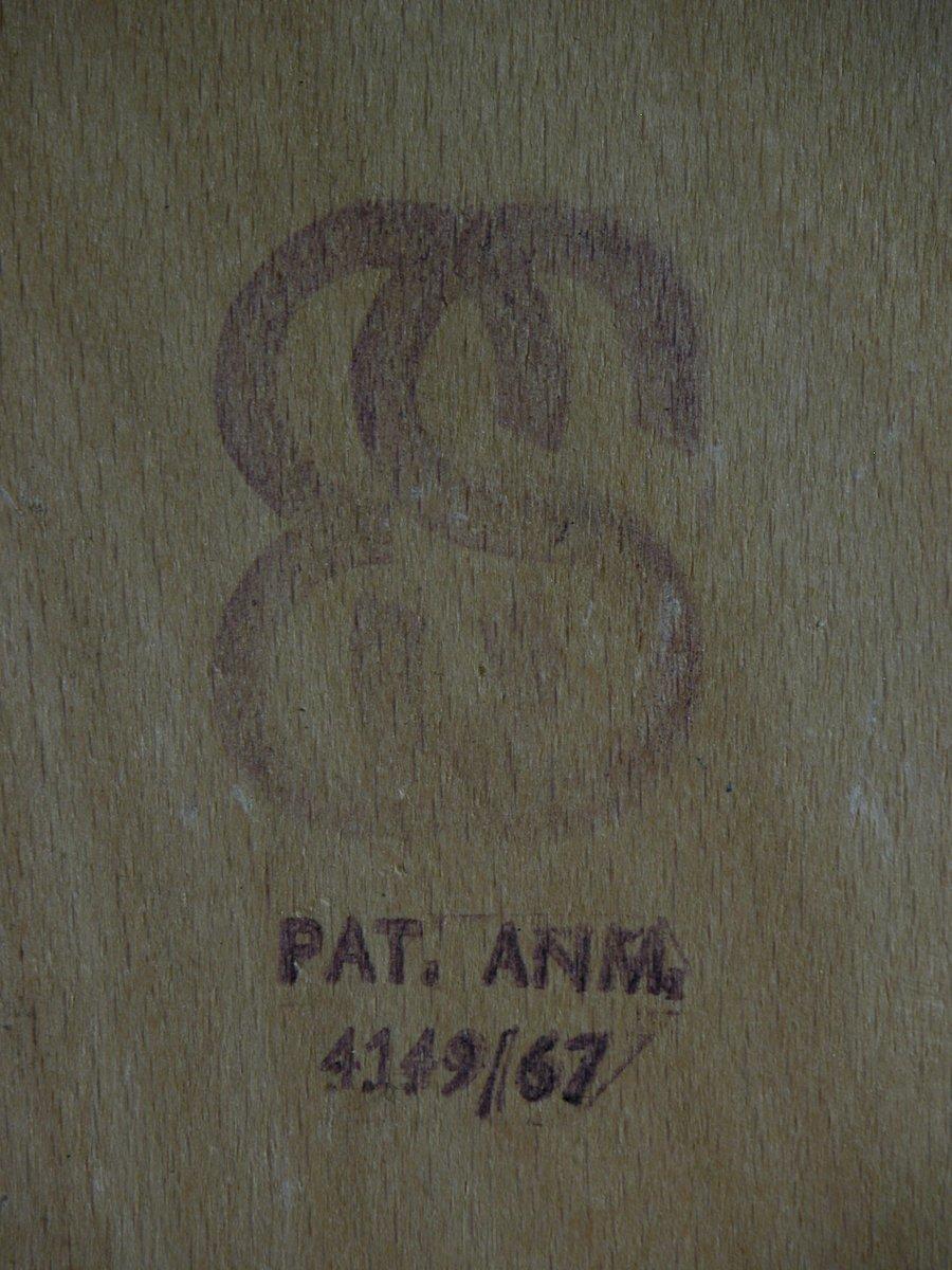 d nischer vintage stuhl aus metall 1960er bei pamono kaufen. Black Bedroom Furniture Sets. Home Design Ideas