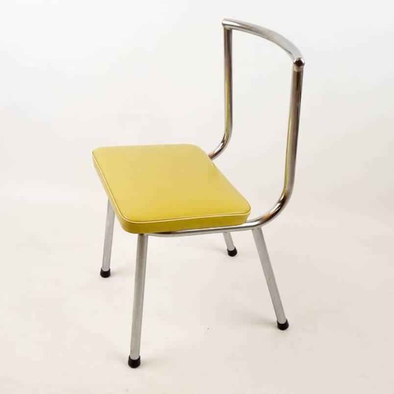Sedia bassa vintage anni 39 50 in vendita su pamono for Sedia anni 50 design