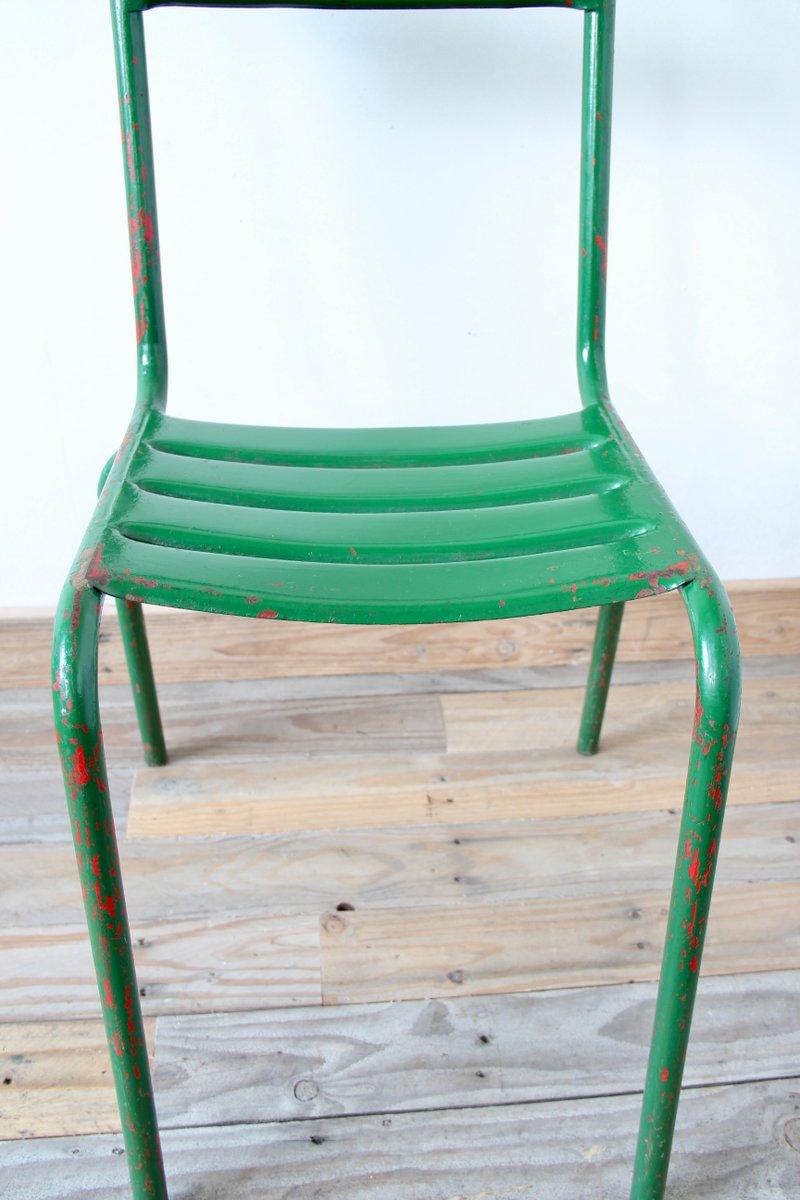 gr ner vintage bistro stuhl aus metall bei pamono kaufen. Black Bedroom Furniture Sets. Home Design Ideas