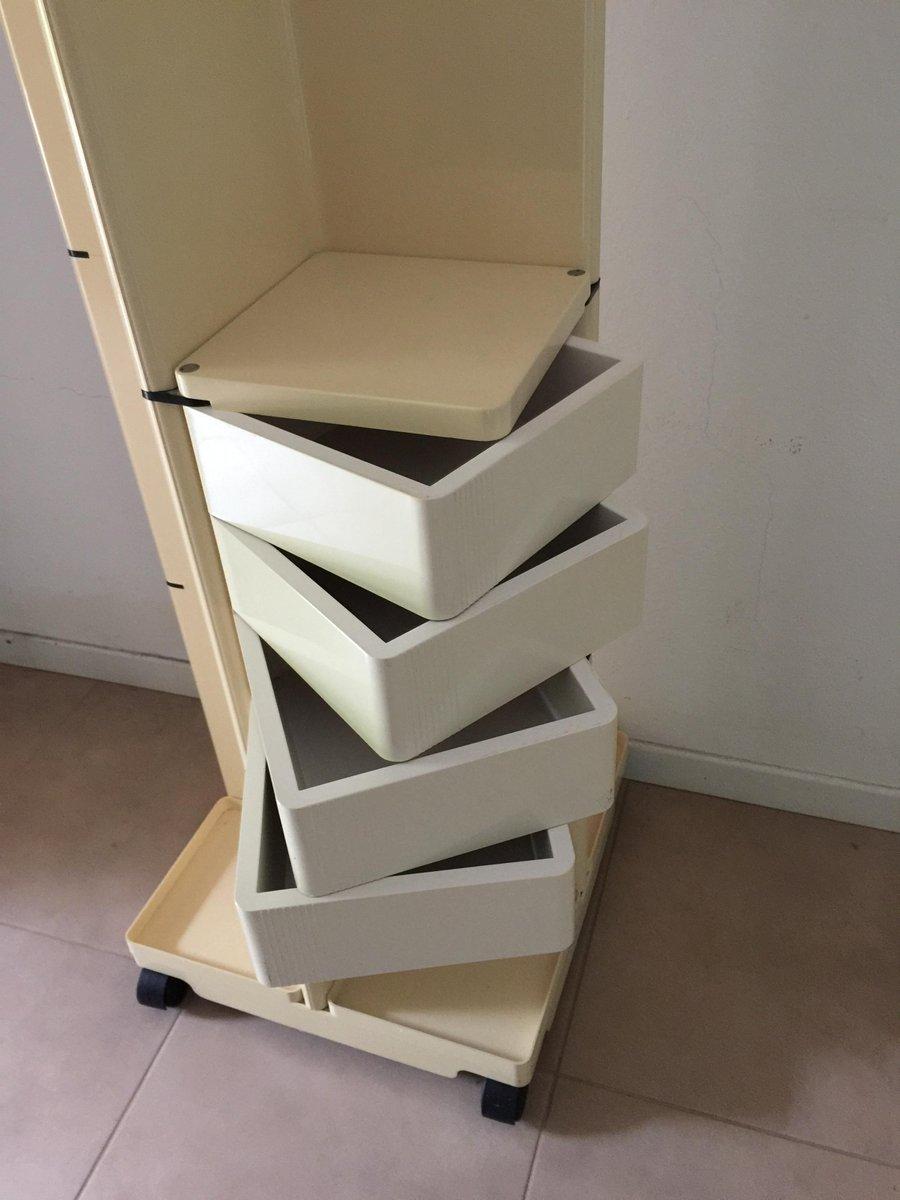beige garderobe mit rollen von fabio lenci f r iguzzini 1974 bei pamono kaufen. Black Bedroom Furniture Sets. Home Design Ideas