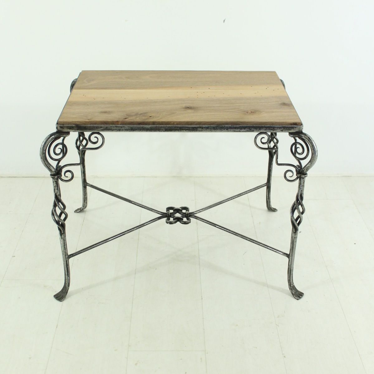 petite table basse 1930s en vente sur pamono. Black Bedroom Furniture Sets. Home Design Ideas