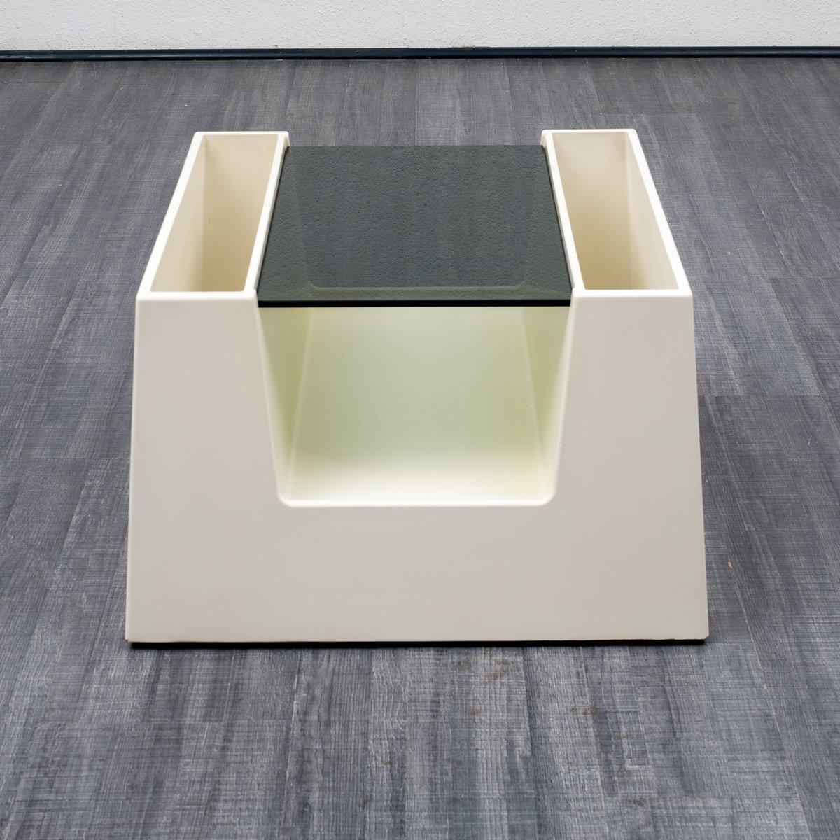 Trapezförmiger Couchtisch von Form & Life Collection