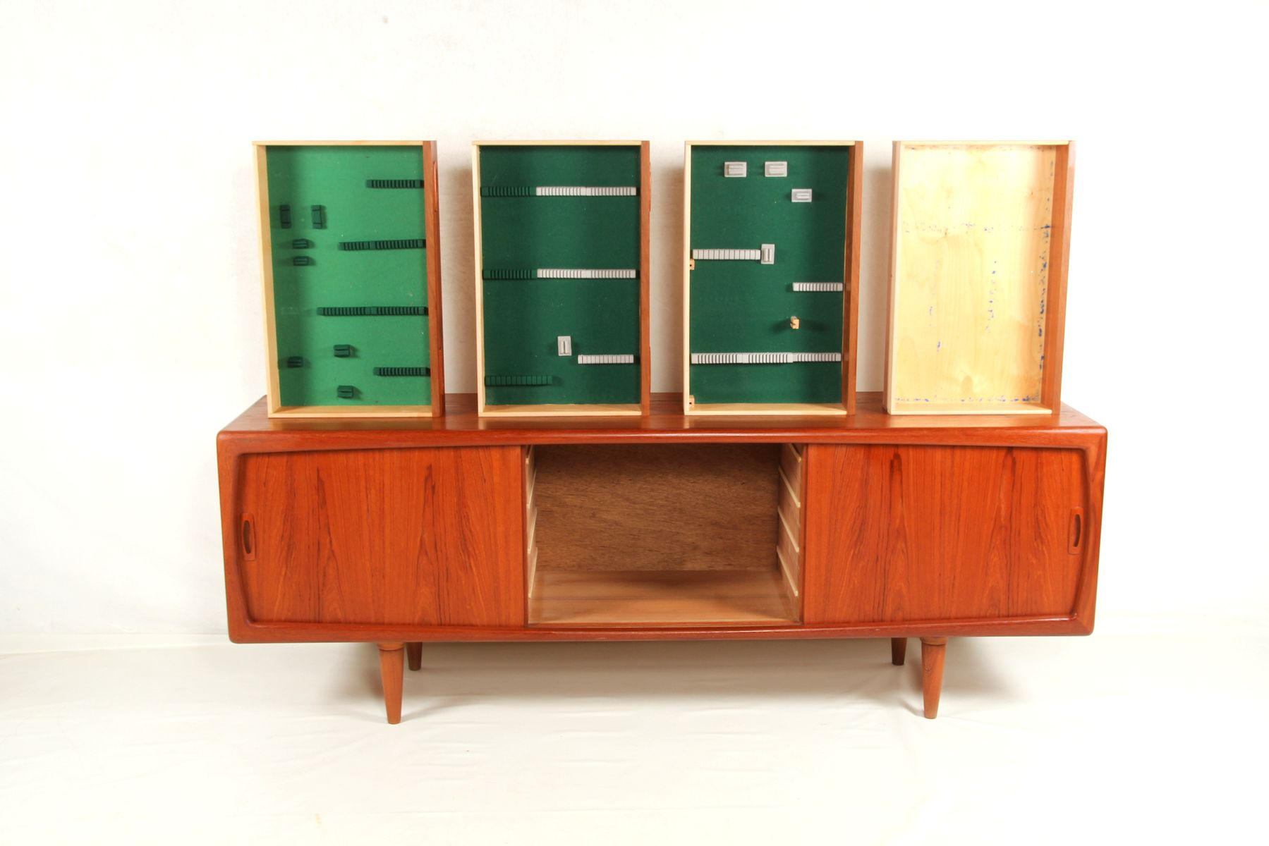 sideboard von h p hansen 1960er bei pamono kaufen. Black Bedroom Furniture Sets. Home Design Ideas
