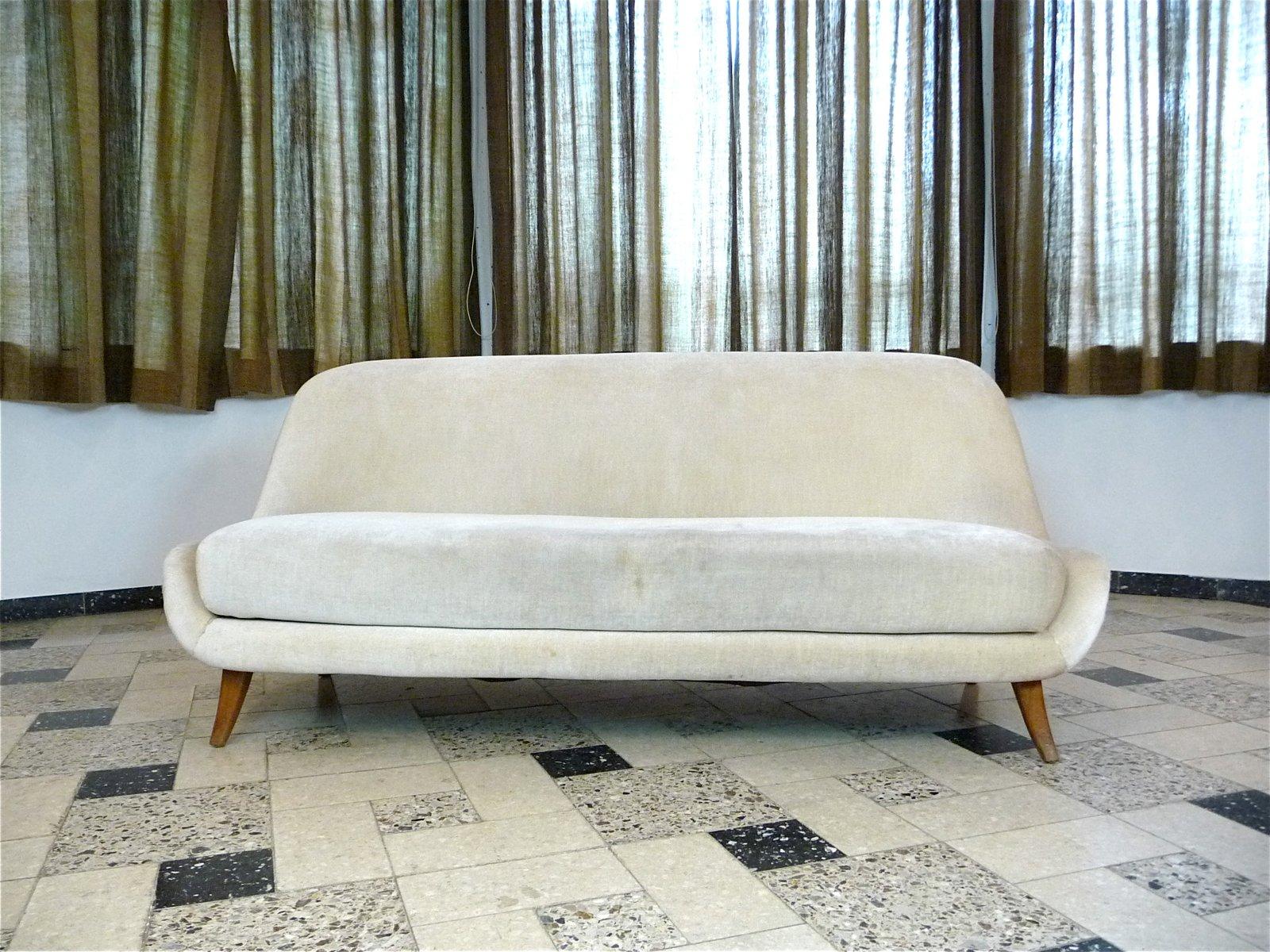 Italienisches Mohair Samt Drei-Sitzer Sofa, 1950er
