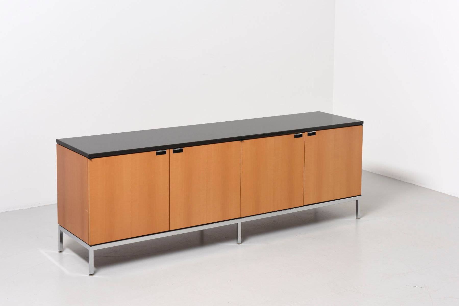 Mid Century Credenza By Florence Knoll For