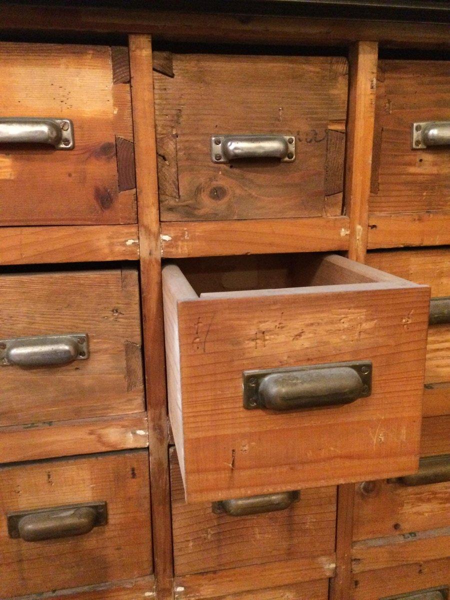 Italienischer Vintage Schubladen Schrank 1950er Bei Pamono Kaufen