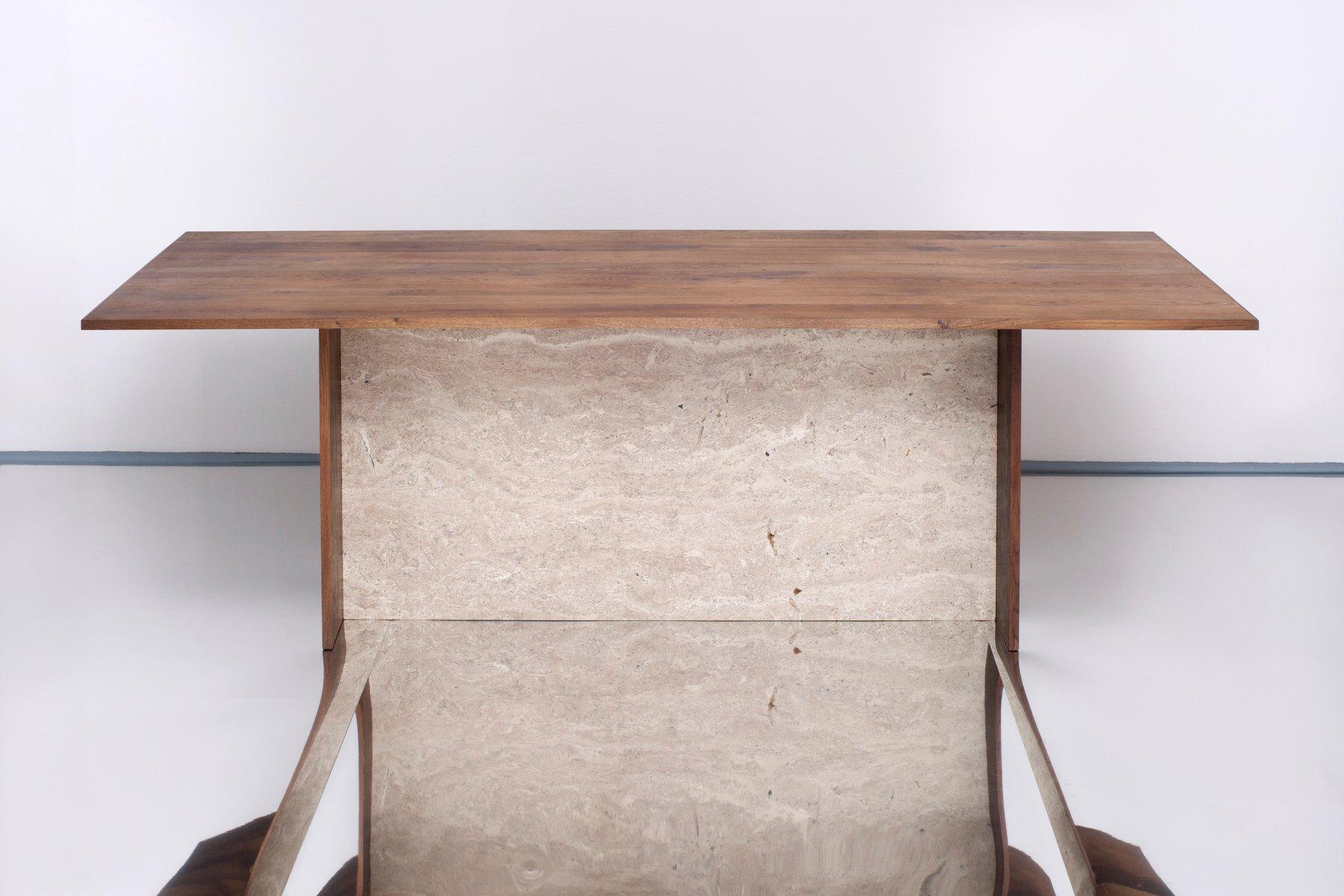 Aditi tisch aus travertin und recyceltem eichenholz von for Travertin tisch pflege