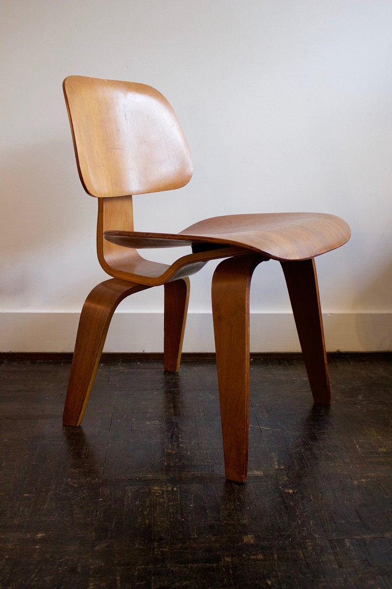 schichtholz dcw stuhl von charles ray eames f r evans bei pamono kaufen. Black Bedroom Furniture Sets. Home Design Ideas