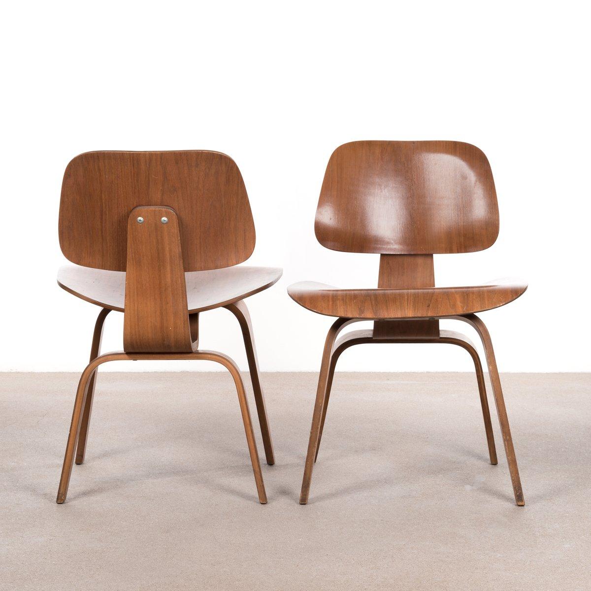 dcw walnuss schichtholz stuhl von charles ray eames f r herman miller 1952 bei pamono kaufen. Black Bedroom Furniture Sets. Home Design Ideas