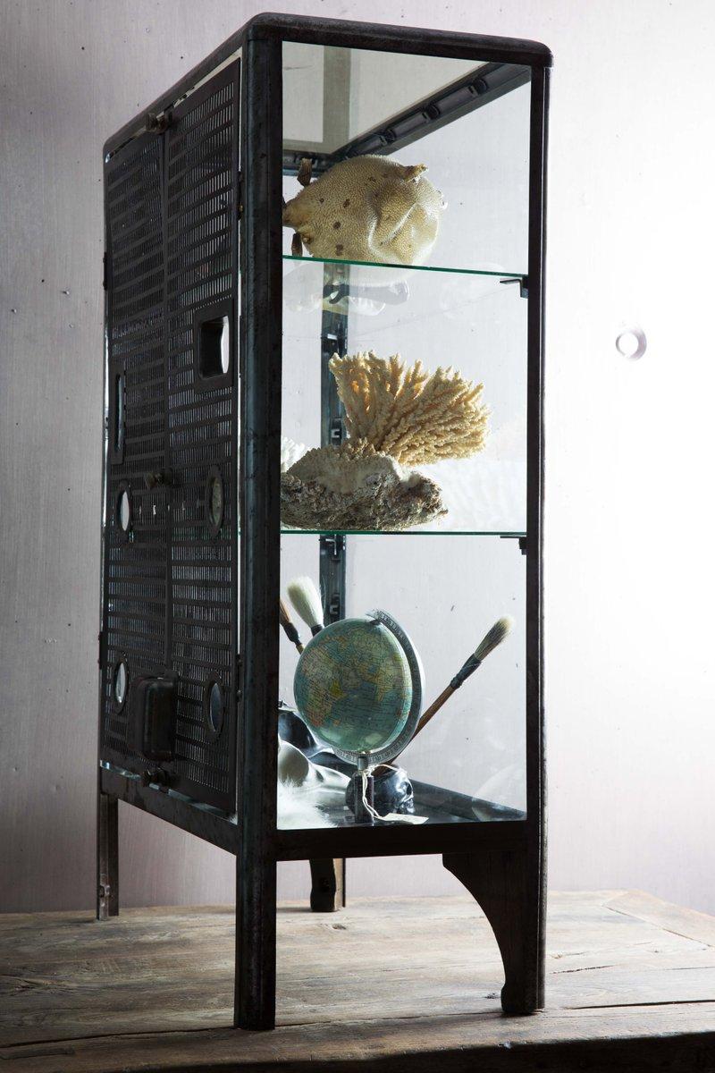 meuble en verre vintage en vente sur pamono. Black Bedroom Furniture Sets. Home Design Ideas