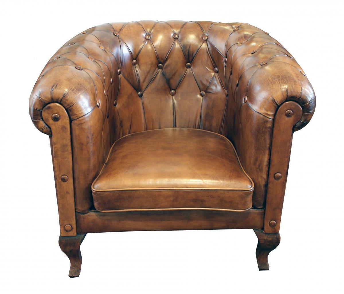 fauteuil club art d co en cuir chesterfield en vente sur pamono. Black Bedroom Furniture Sets. Home Design Ideas