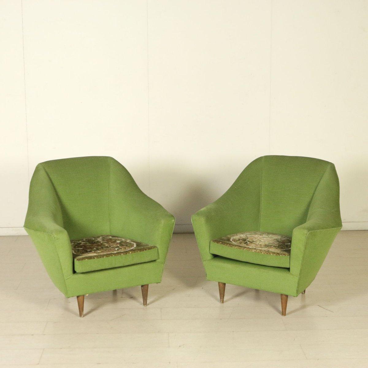 Italienische Vintage Sessel aus Samt mit Beidseitig Gestalteten Kissen...