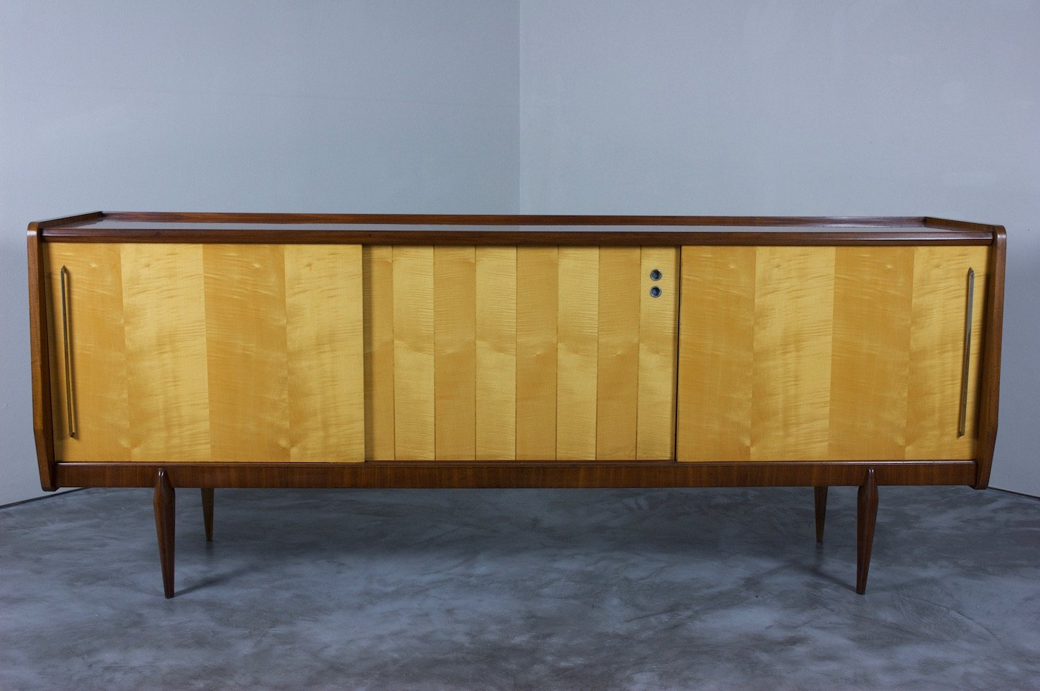 italienisches sideboard 1960er bei pamono kaufen. Black Bedroom Furniture Sets. Home Design Ideas