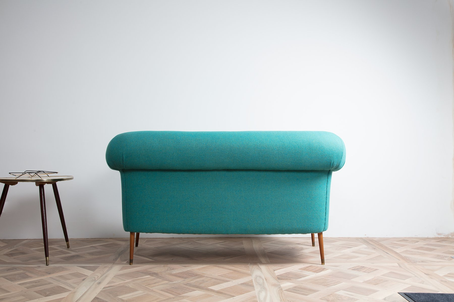 canap vintage style chesterfield en vente sur pamono. Black Bedroom Furniture Sets. Home Design Ideas