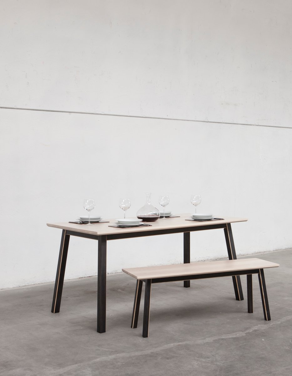 Mesa de comedor dahlia grande de alexander mueller para universal e c s r l en venta en pamono - Mesa de comedor grande ...
