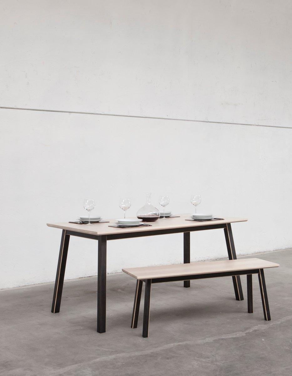 Tavolo da pranzo piccolo dahlia di alexander mueller per for Tavolo da pranzo piccolo