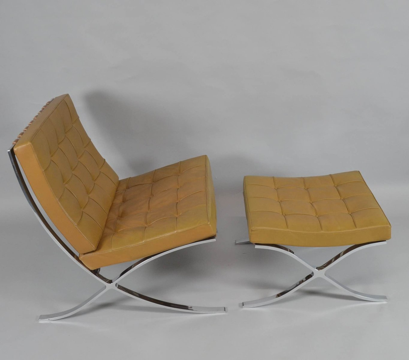 Beau Vintage Barcelona Chair With Ottoman By Ludwig Mies Van Der Rohe For Knoll  International