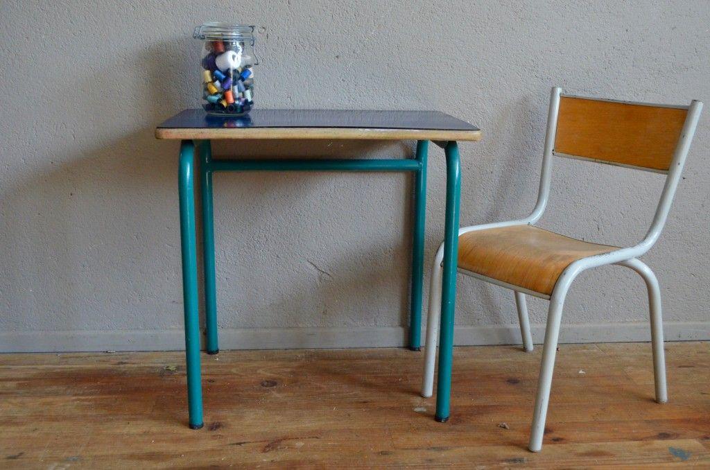 schul tisch und stuhl in dunkelblau 1960er bei pamono kaufen. Black Bedroom Furniture Sets. Home Design Ideas